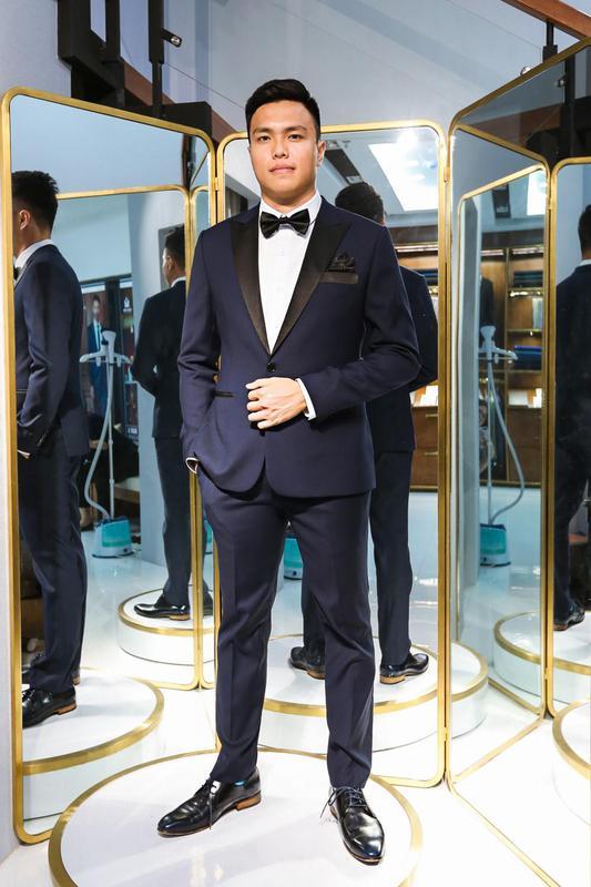 Tuxedo Màu Xanh Đen Cổ Phối Bóng