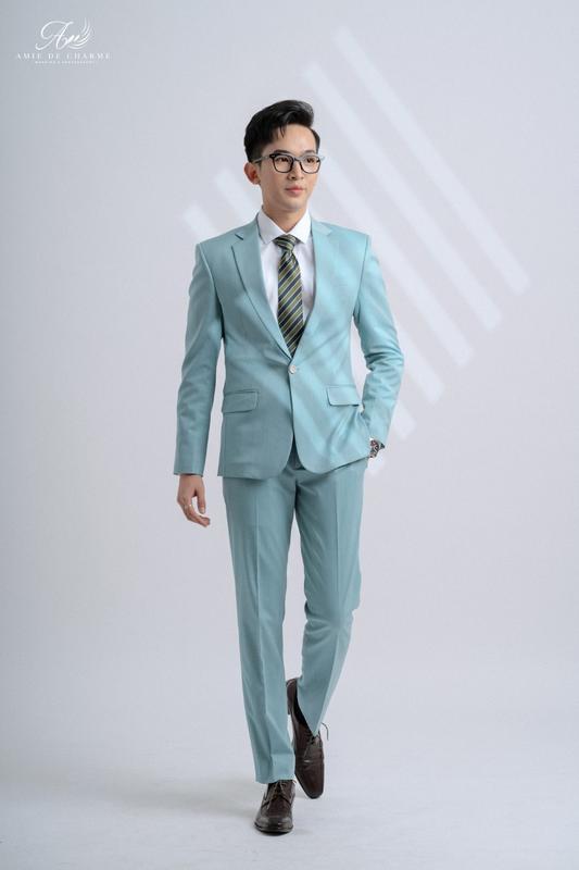 Vest xanh pastel nổi bật và phá cách