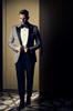 Tuxedo xám sọc ngang hiện đại
